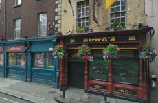 Fire breaks out in Dublin pub Bowes