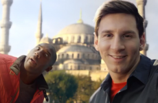 Lionel Messi and Kobe Bryant compete in a 'selfie-off'